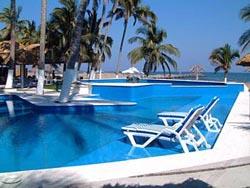 Pool at Galeria Plaza Veracruz