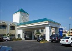 Motor Lobby at Holiday Inn Exp
