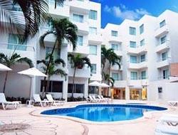 Pool at Ramada Cancun City