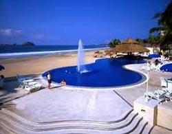 Pool at Posada Real Ixtapa