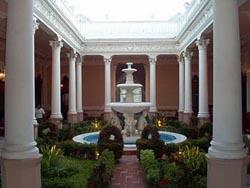 Courtyard-Mision Panamericana