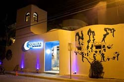Streetview Aqualuna Hotel