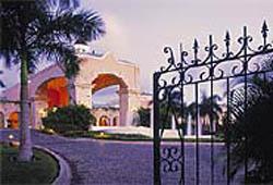 Gate @ Royal Hideaway Playacar