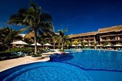 Pool @ Catalonia Yucatan Beach