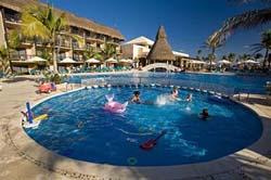 Pool at Catalonia Riviera Maya