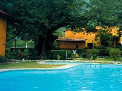 Pool at Misión Concá